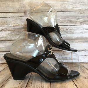 Comfort Plus 8.5W Black Faux Patent Leather Sandal